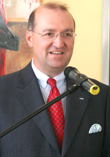 Dieker neuer SportwartEinstimmiges Votum für <b>Rolf Schettler</b>, der als erster <b>...</b> - 6799